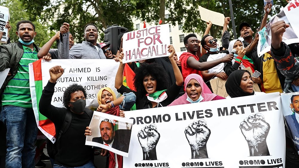 People gather to protest against the treatment of Ethiopia's ethnic Oromo group, outside Downing Street in London, Britain, July 3, 2020. REUTERS/Simon Dawson